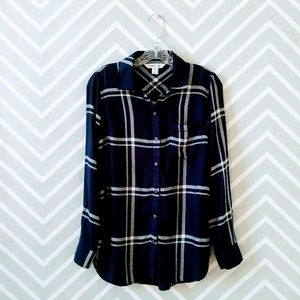 Old Navy women navy white plaid button up shirt
